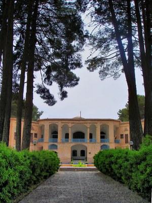 jardines persas Akbarieh_garden