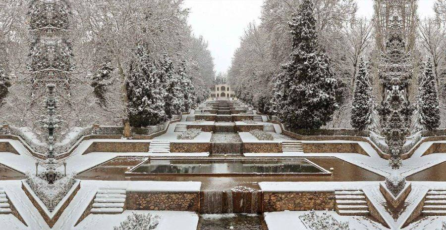 Jardín Shazdeh invierno nieve